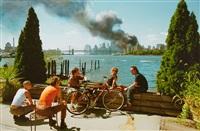 blick von williamsburg, brooklyn, auf manhattan, 11. september 2001 [view of manhattan from williamsburg, brooklyn, on september 11, 2001] by thomas hoepker